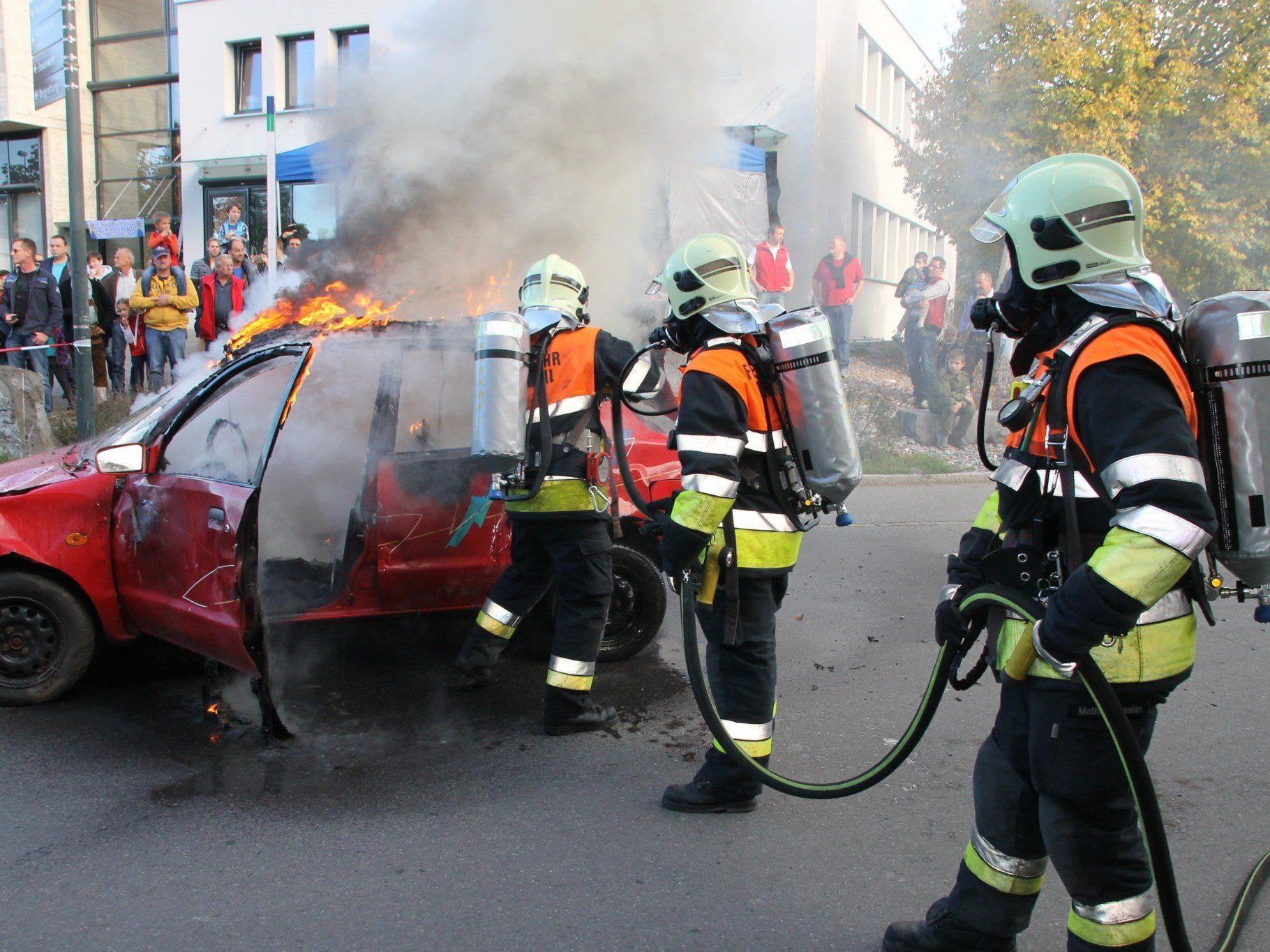 Spektakuläre Feuerwehrübung