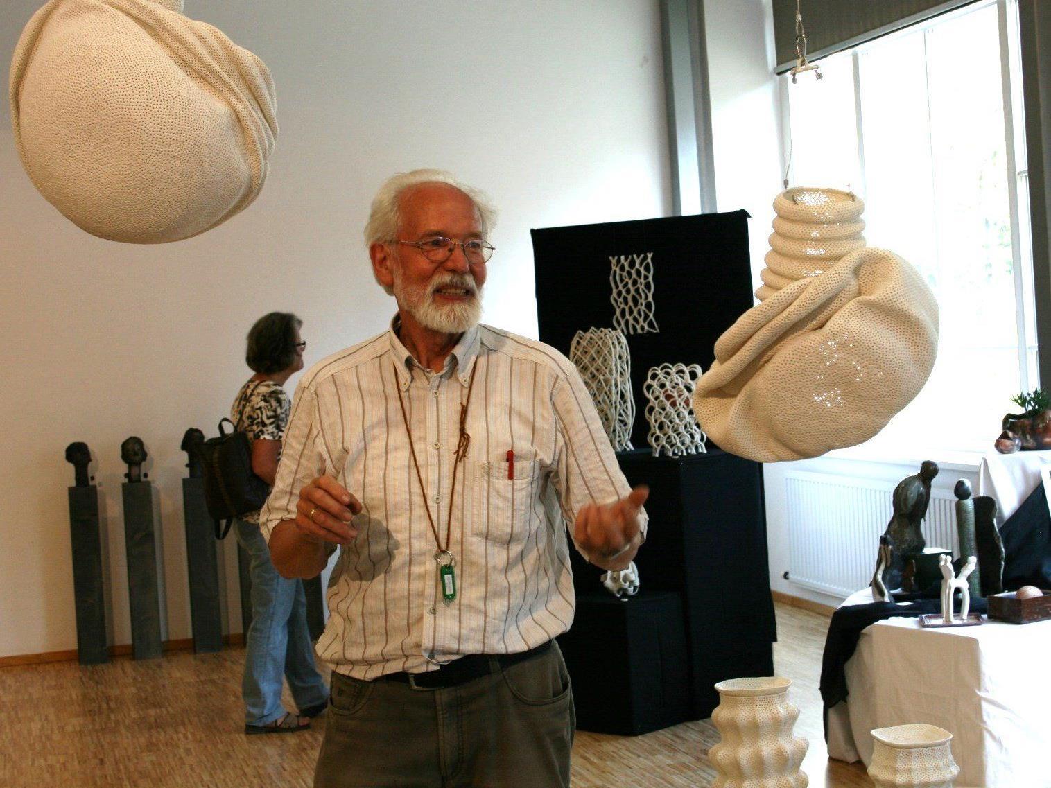 Keramiker und VHS-Obmann Werner Sonderegger lebt für die Kunst.