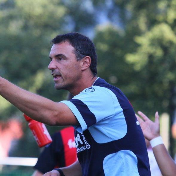 Besonderes Spiel für Hard-Coach Oli Schnellrieder im Derby gegen seinen Lieblingsklub Altach.