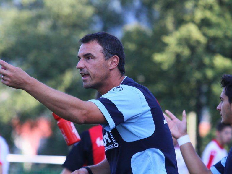 Hard-Coach Oli Schnellrieder hofft im Heimspiel gegen den Tabellenführer Austria Salzburg auf eine Sensation.