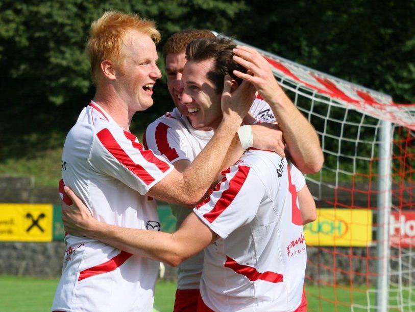 Florian Loretz, Adem Kum und Alexander Breuss wollen das Heimspiel gegen Alberschwende gewinnen. Live auf VOL.AT