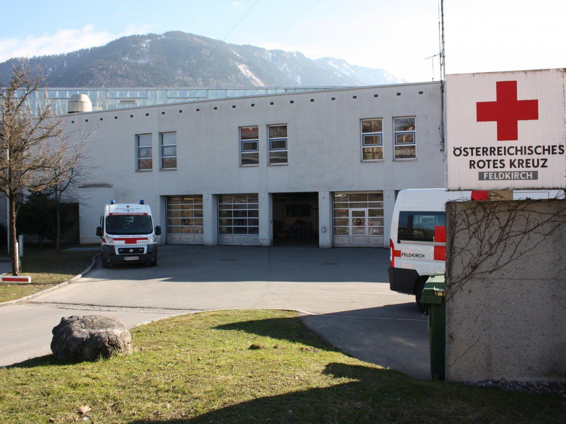 Ein Mädchen aus Feldkirch fiel am Montag in den Pool eines Nachbarn - ihr Zustand ist kritisch.
