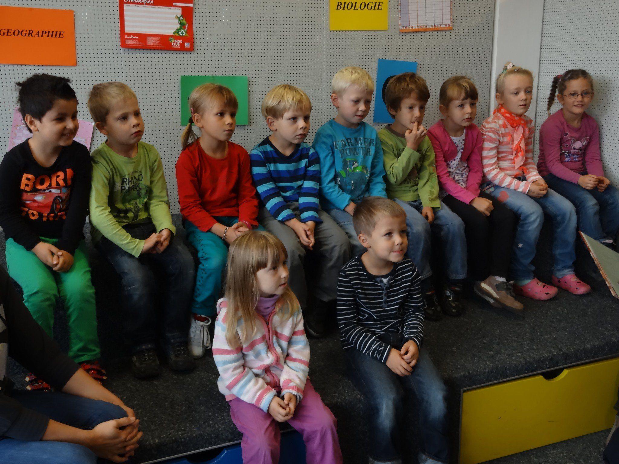 Kindergarten Röthis in der Bücherei
