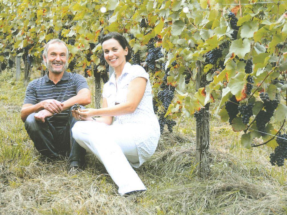 """Sommeliere Bernadette Huber und Winzer Franz Nachbaur laden zum """"Weinherbst am Bodensee"""" ins Seehotel Am Kaiserstrand."""