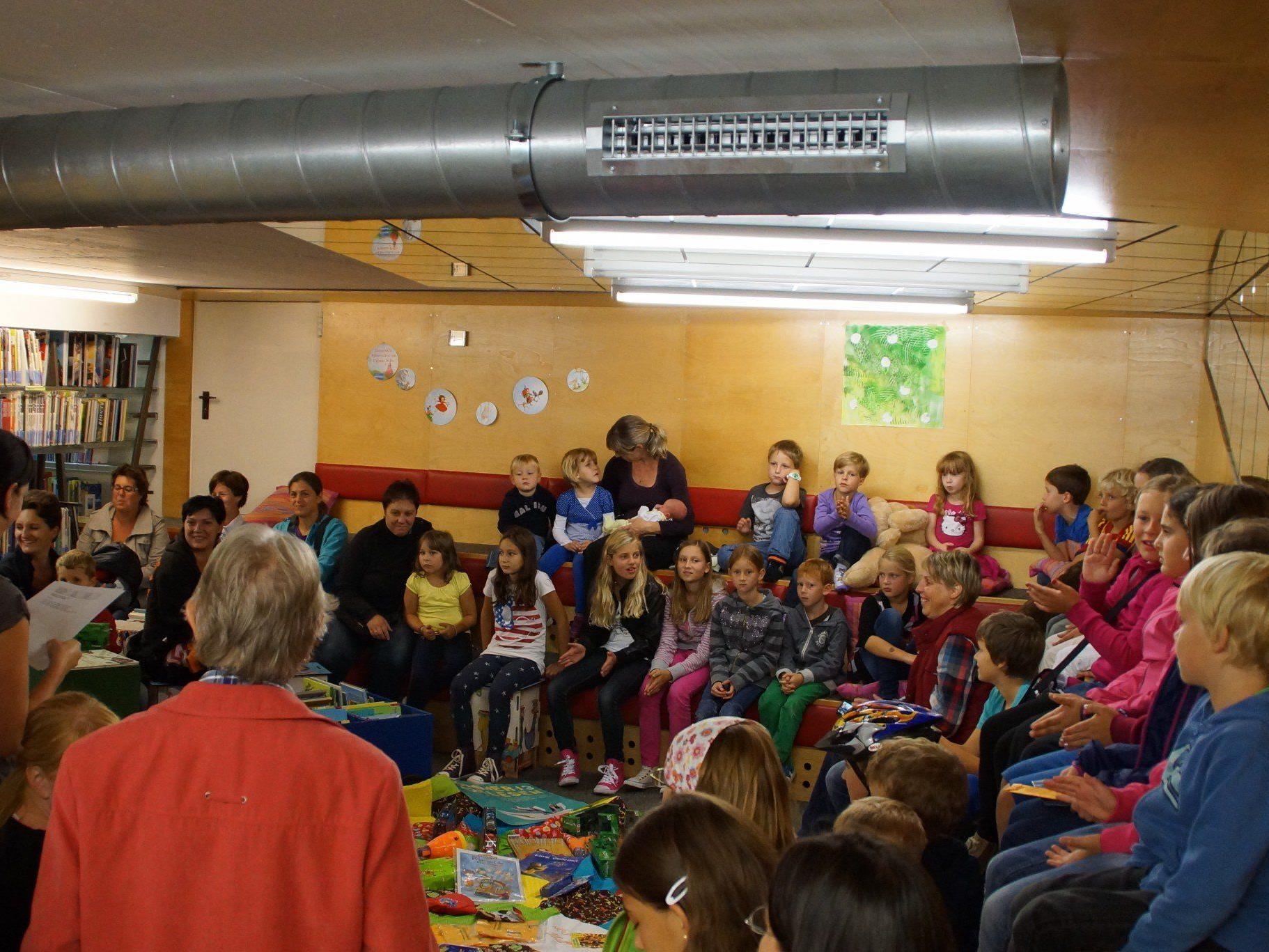 Die Bücherei und Spielothek Mäder bietet ein spannendes Veranstaltungsprogramm.