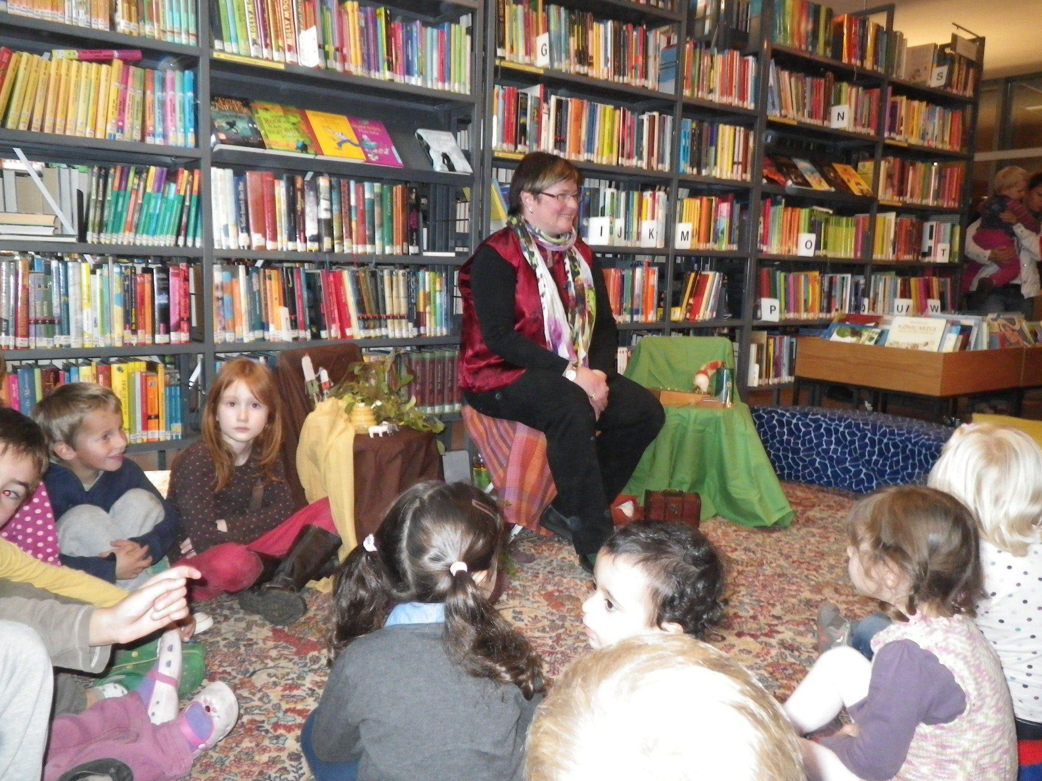 Märchenerzählerin Anna Hutter wusste die Kinder mit Märchen zu fesseln