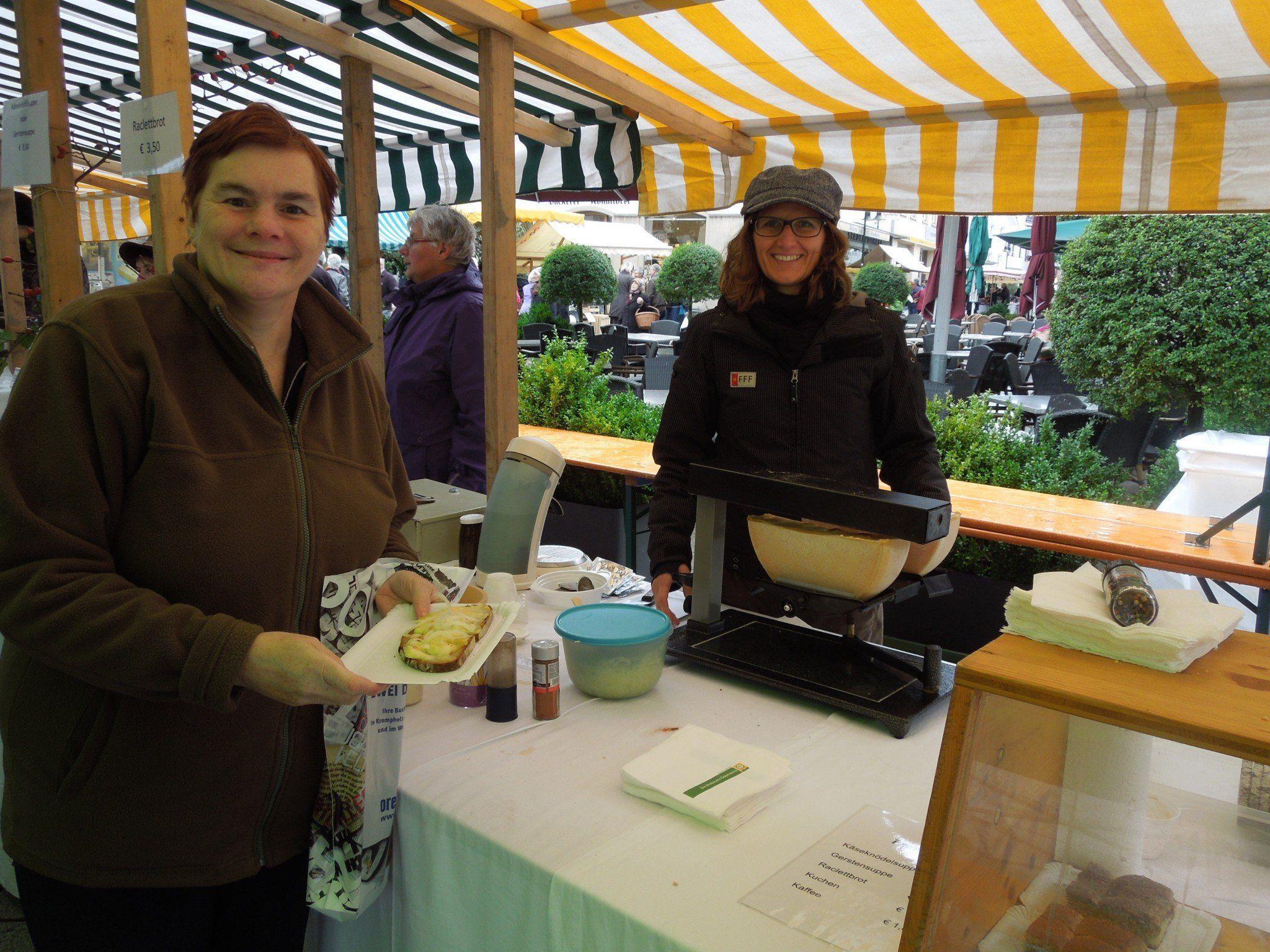 Die Besucher probierten sich beim Most- und Käsekulinarium durch die regionalen Köstlichkeiten.