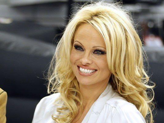 Pamela Anderson will den New York City Marathon laufen.