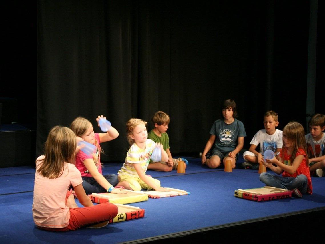 Auch Theaterspielen stand auf dem Programm von GucKuk.