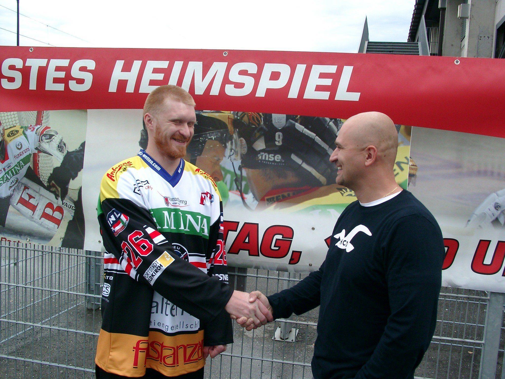 VEU Feldkirch Trainer Milos Holan muss in Jesenice auf Verteidiger Maxim Abaev verzichten.