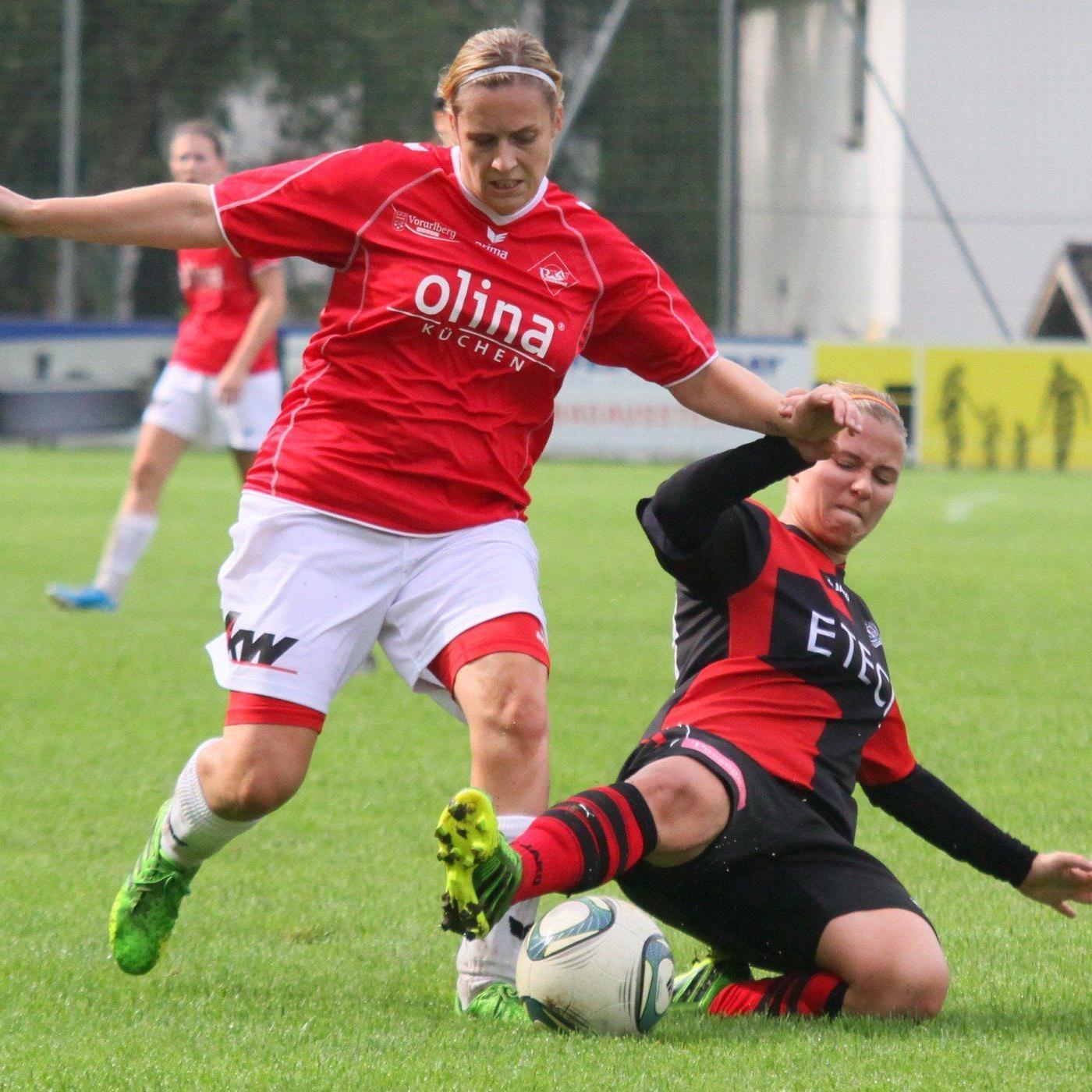 Anja Stadelmann schoss zwei der sechs Treffer der RW-Ladies im Spitzenspiel in Geretsberg.