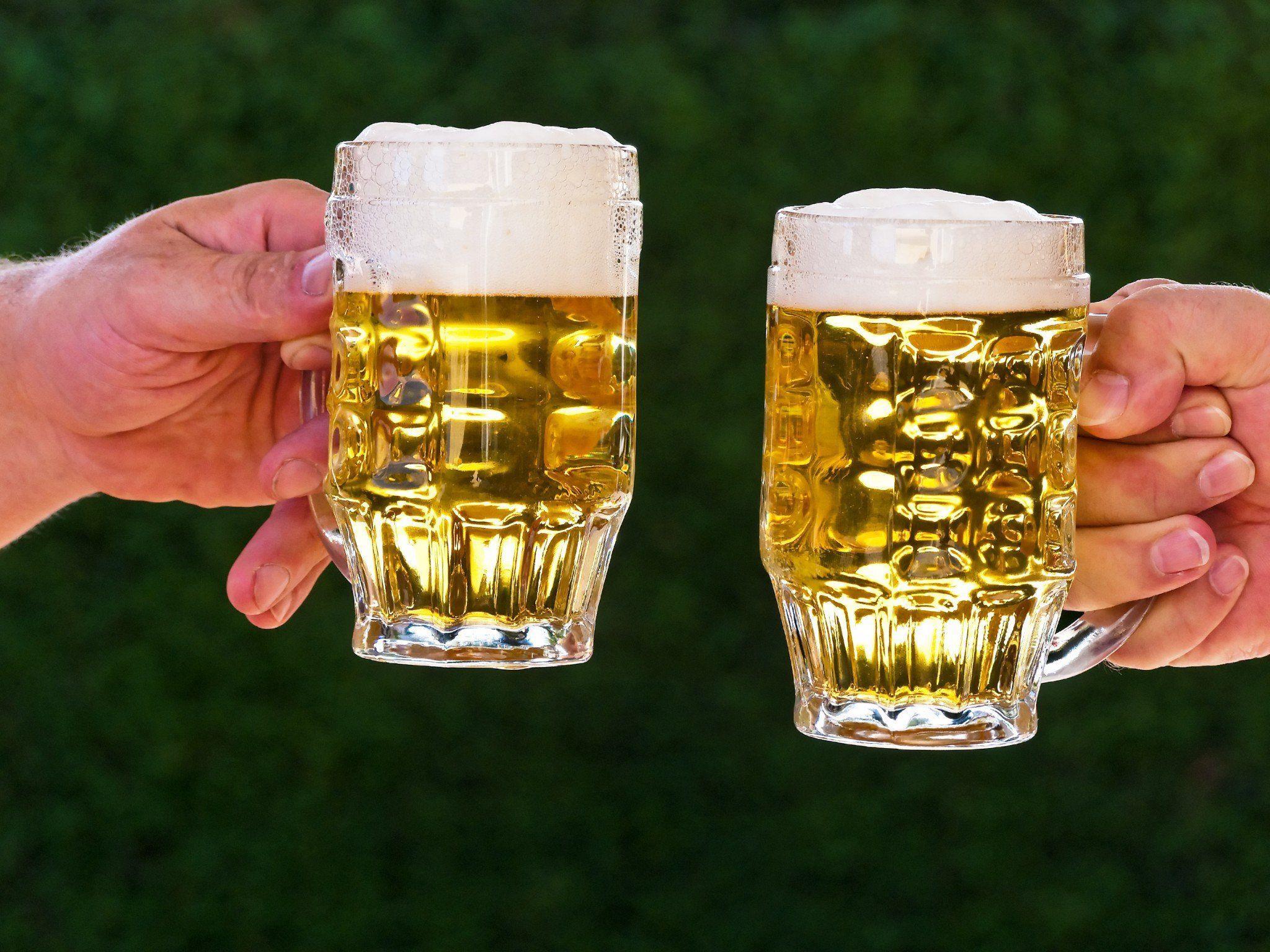 Cousin hatte Sex mit seiner Gattin: Schlag mit Bierkrug als Rache?