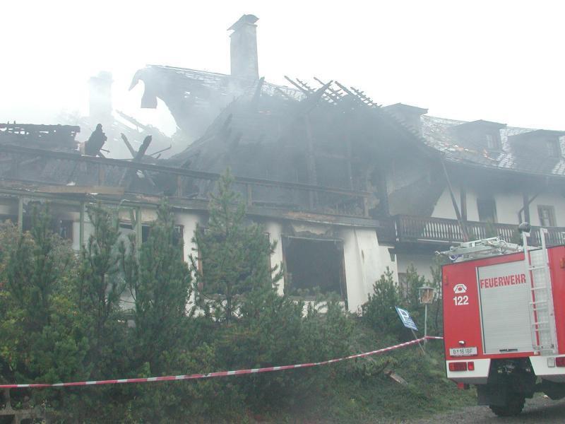 Am 17. September 2001 wurde das Hotel am Bödele durch einen Großbrand weitgehend zerstört.