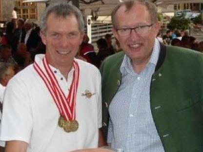 """Sennereiobmann Raimund Beer hatte mit Partner Toni Honsig schon im Vorjahr für den """"Weinvidla Kas"""" eine Medaille geholt."""