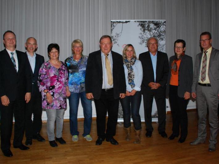 Alt-Bürgermeister Helmut Leite kann im Pflegepool Hofsteig auf ein engagiertes Team von Ehrenamtlichen und Fachleuten bauen.