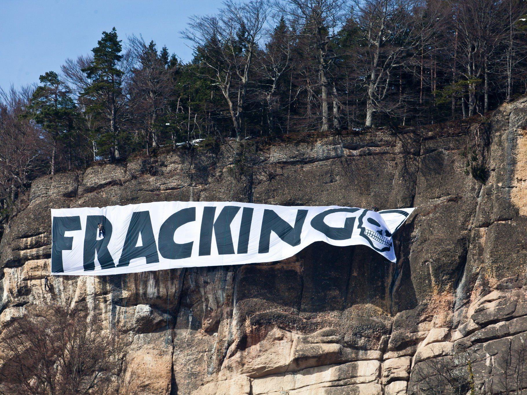Vorarlberger Fracking-Gegner: Protestaktion am Känzele im März 2013.