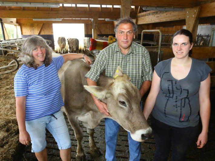 Den leidenschaftlichen Bauern Auguste, Bruno und Katharina Gaßner liegt die Gesundheit und Langlebigkeit ihrer Tiere besonders am Herzen.