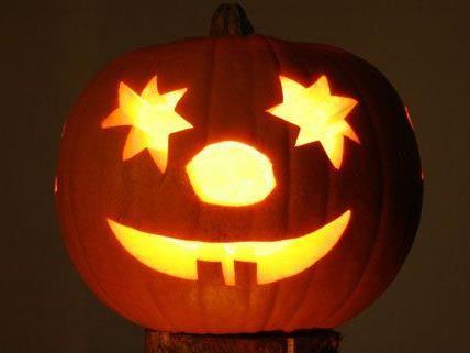 Warum schnitzt man zu Halloween eigentlich Kürbisse aus?