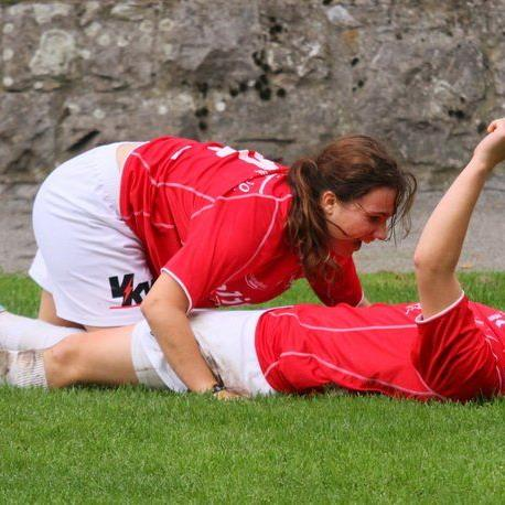 Die beiden RW Rankweil-Kickerinnen Julia Schnetzer und Veronika Vonbrül wollen gegen Wals jubeln und gewinnen.