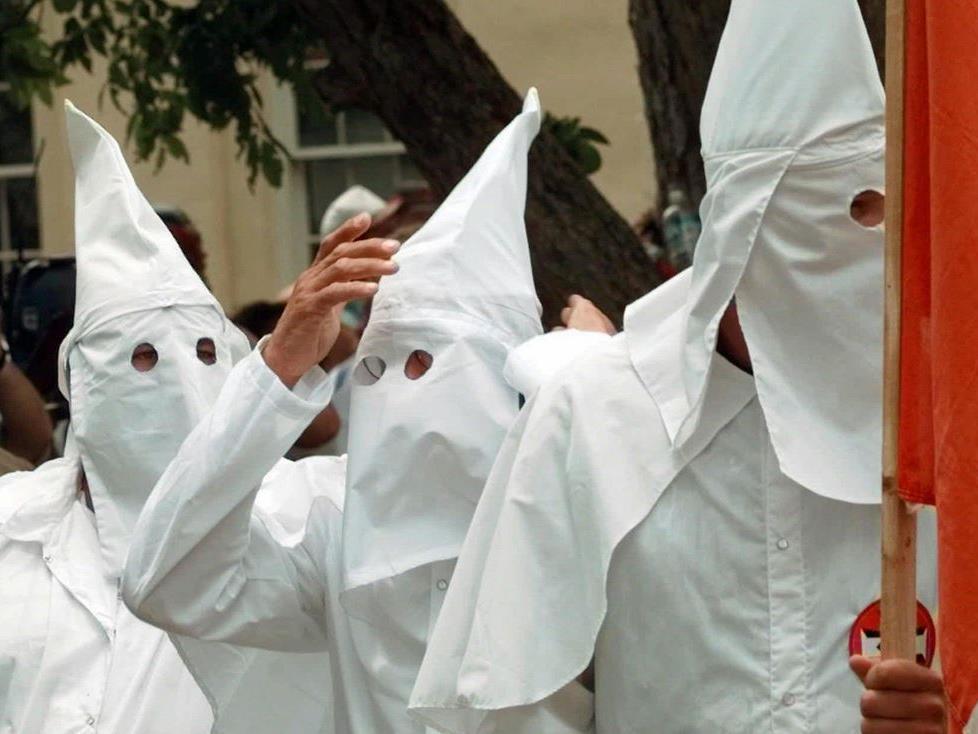 Abgesagt! Eine Demonstration des Ku Klux Klan.