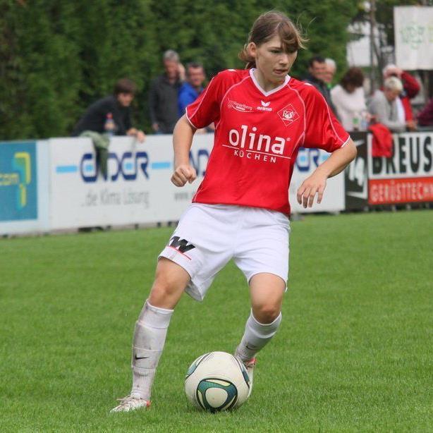 Talent Sarah Klotz erzielte einen Triplepack beim 5:0-Heimsieg gegen Wolfern.