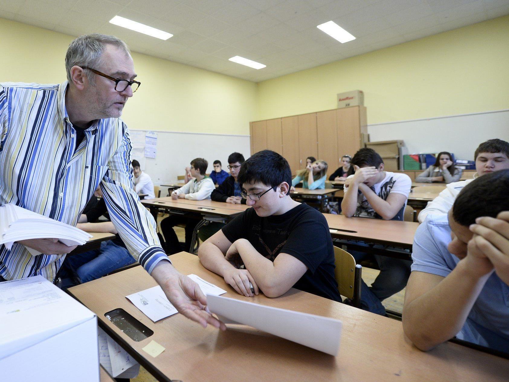14 Pensionisten lehren an Vorarlbergs Gymnasien und Berufsschulen.
