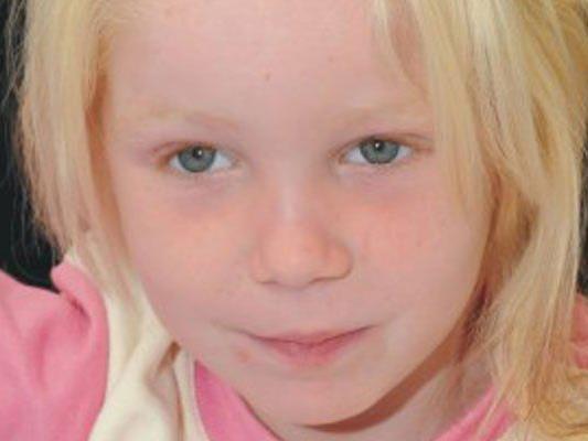 Kind ist derzeit in Obhut einer Kinderhilfsorganisation.