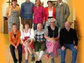 Theater Tour Nofels gastiert mit neuem Stück im Röthner Gemeindesaal.