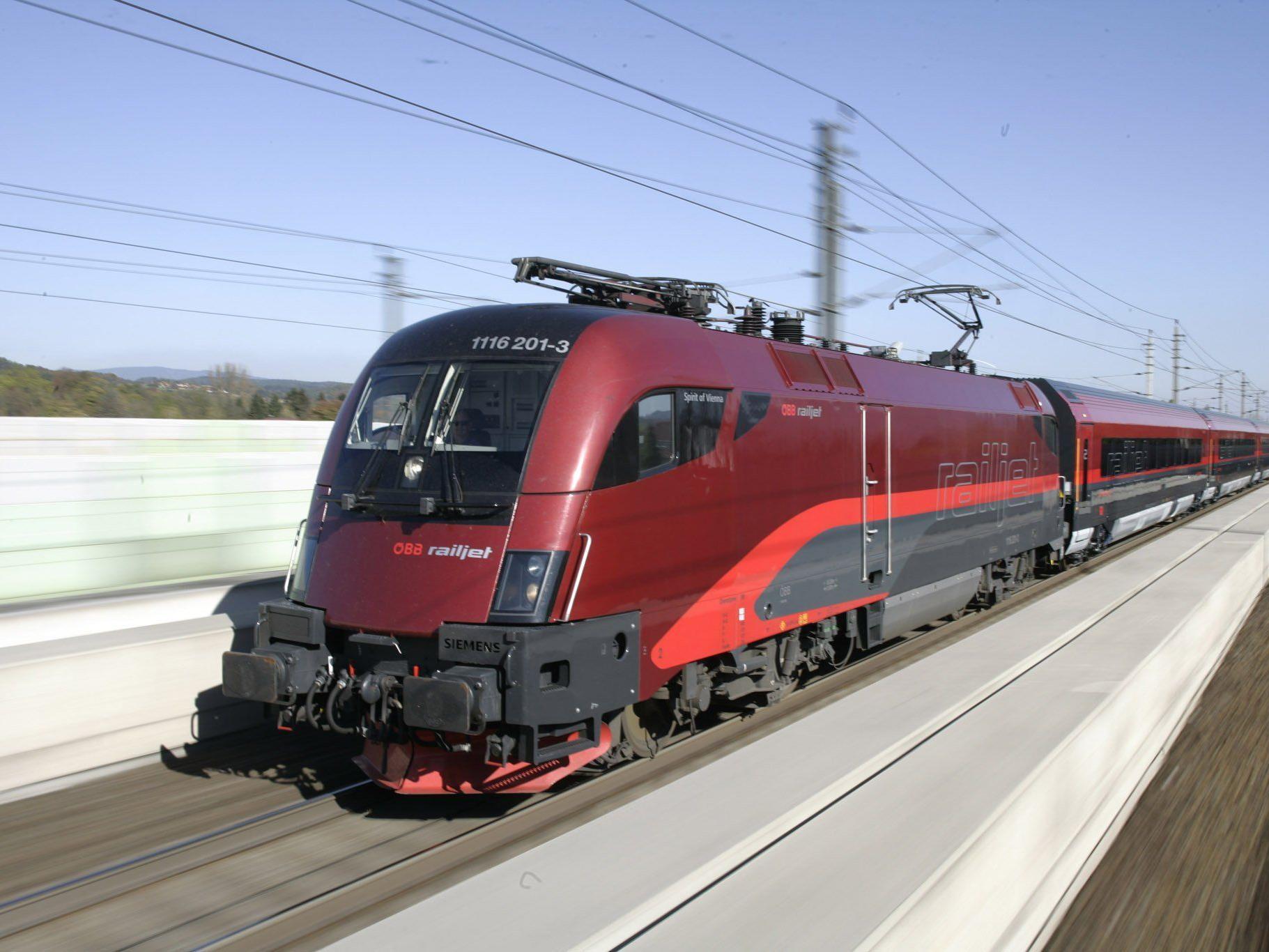 Verzögerungen auf der Strecke Zürich/Vorarlberg - Wien.