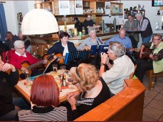 Am Samstag, den 19. Oktober laden die SILBERDISTLN zum gemeinsamen Singen.