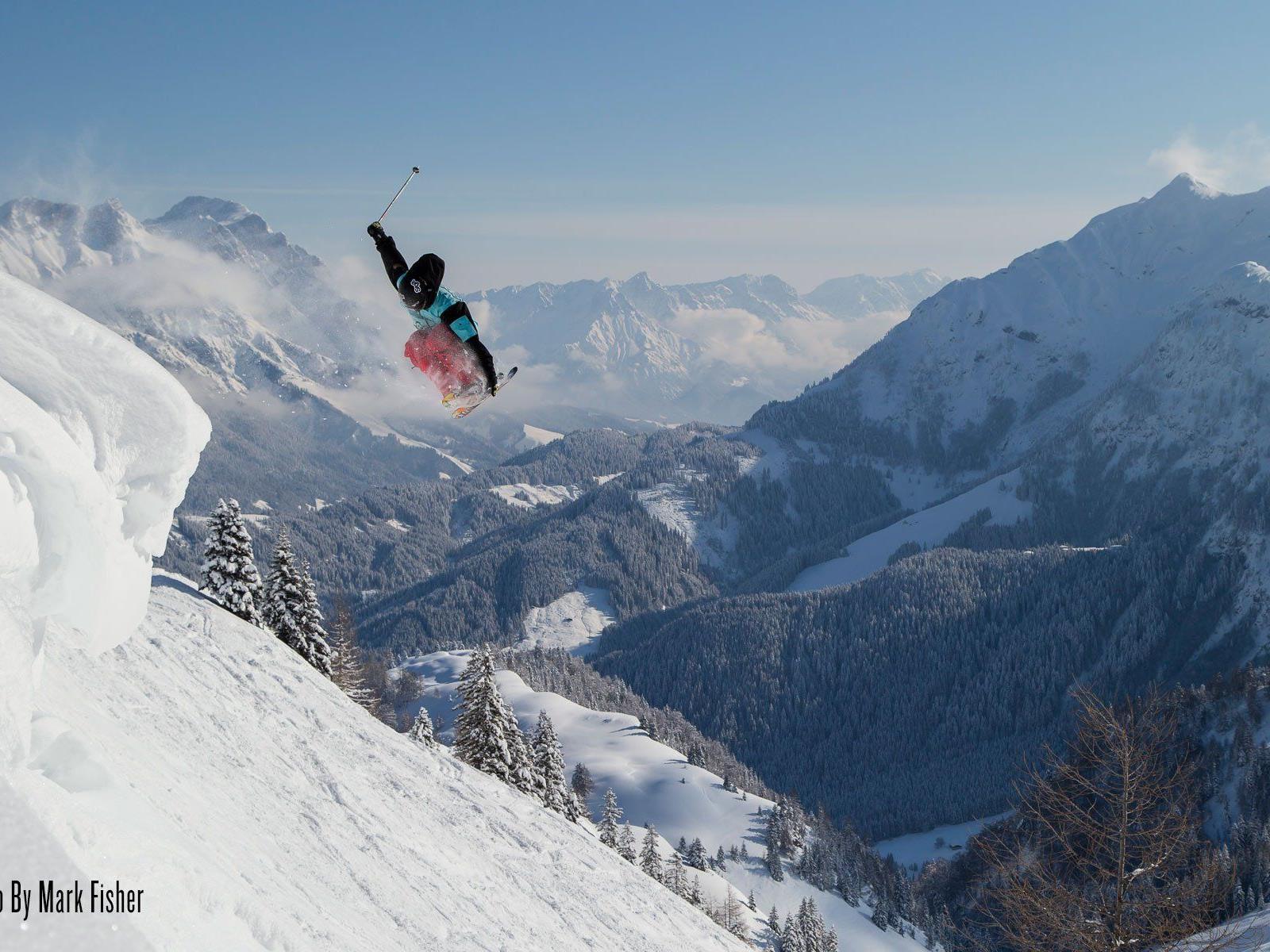 Alle Ski- und Snowboard Fans erwarten vier tolle Kino-Abende voller Action und mit atemberaubenden Landschaftsaufnahmen.