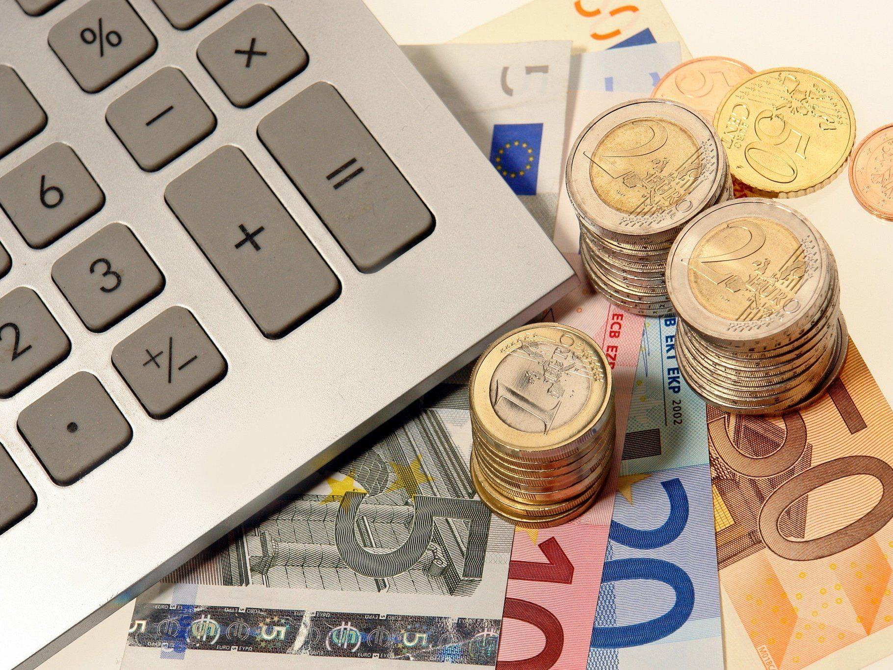 Oberösterreicher und Vorarlberger sparen am meisten