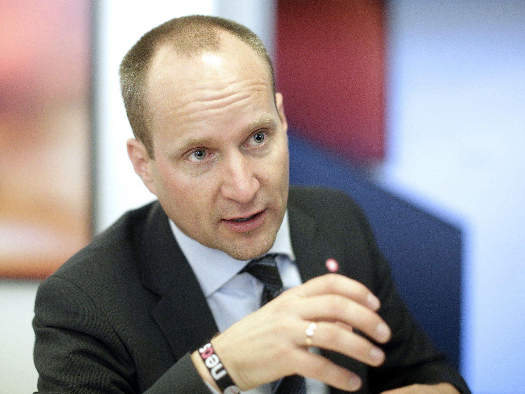 Matthias Strolz will mehr Privat weniger Staat.