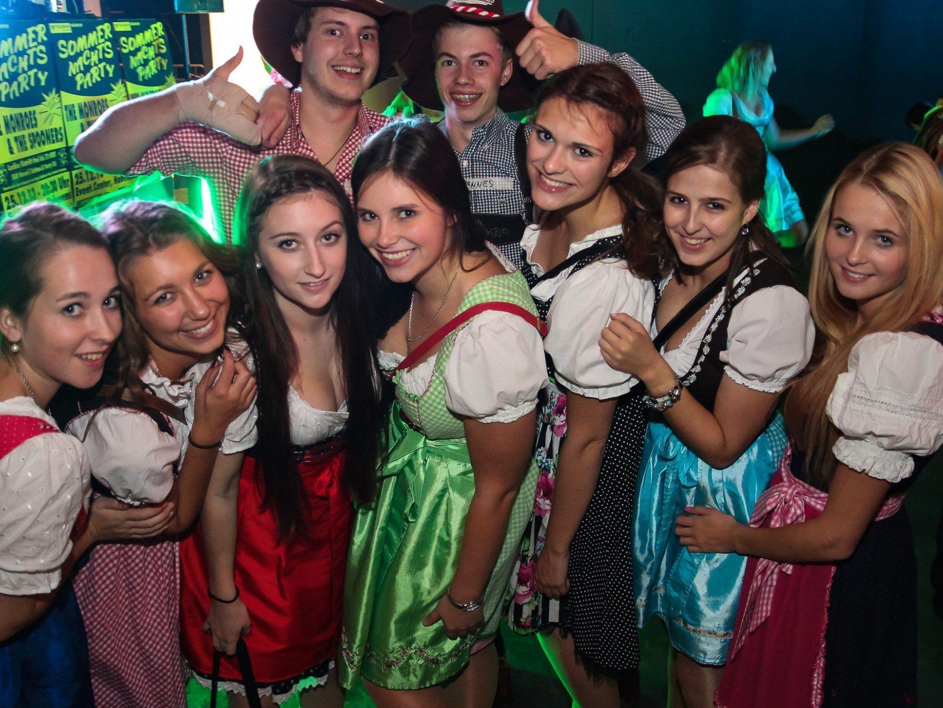 Das 5. Emser Oktoberfest startete am Donnerstag mit dem Wiesn-Clubbing.