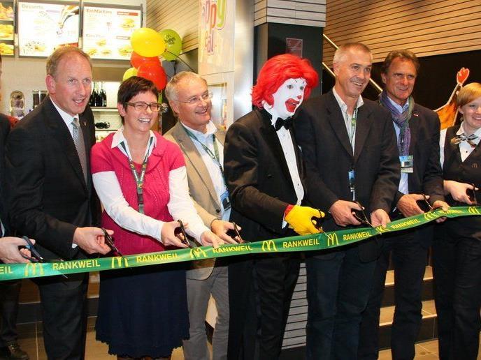 Das Mc Donalds Cafe in Rankweil wurde in einem gebührenden Rahmen mit viel Prominenz nun eröffnet.
