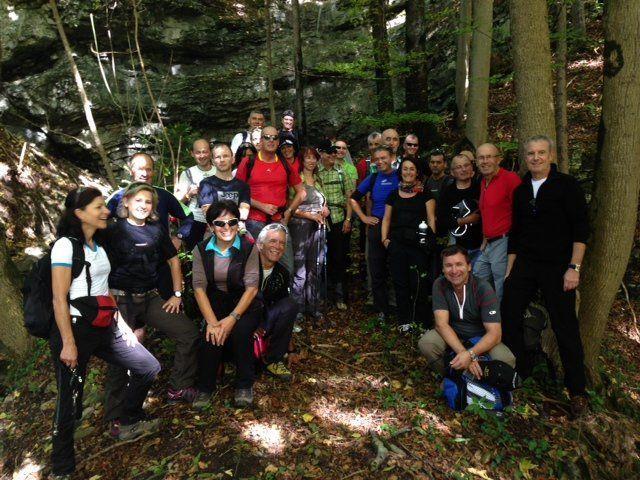 VIele Mitglieder des Förderverein Radsport vor dem Arlberg nahmen an der Wanderung teil.