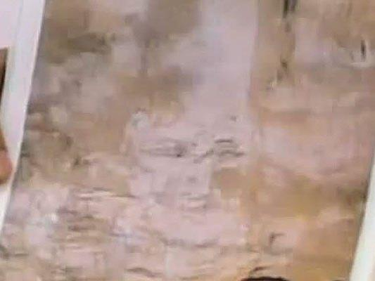 Während die Arbeiter im U-Bahntunnel arbeiteten erschien dieses Bild auf der Wand.