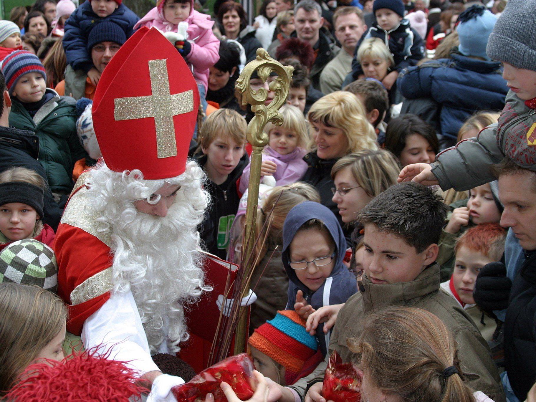 Die erste Verlosung des Gewinnspiels zugunsten der Kirchenrenovierung findet beim Adventmärktle am kommenden Wochenende statt