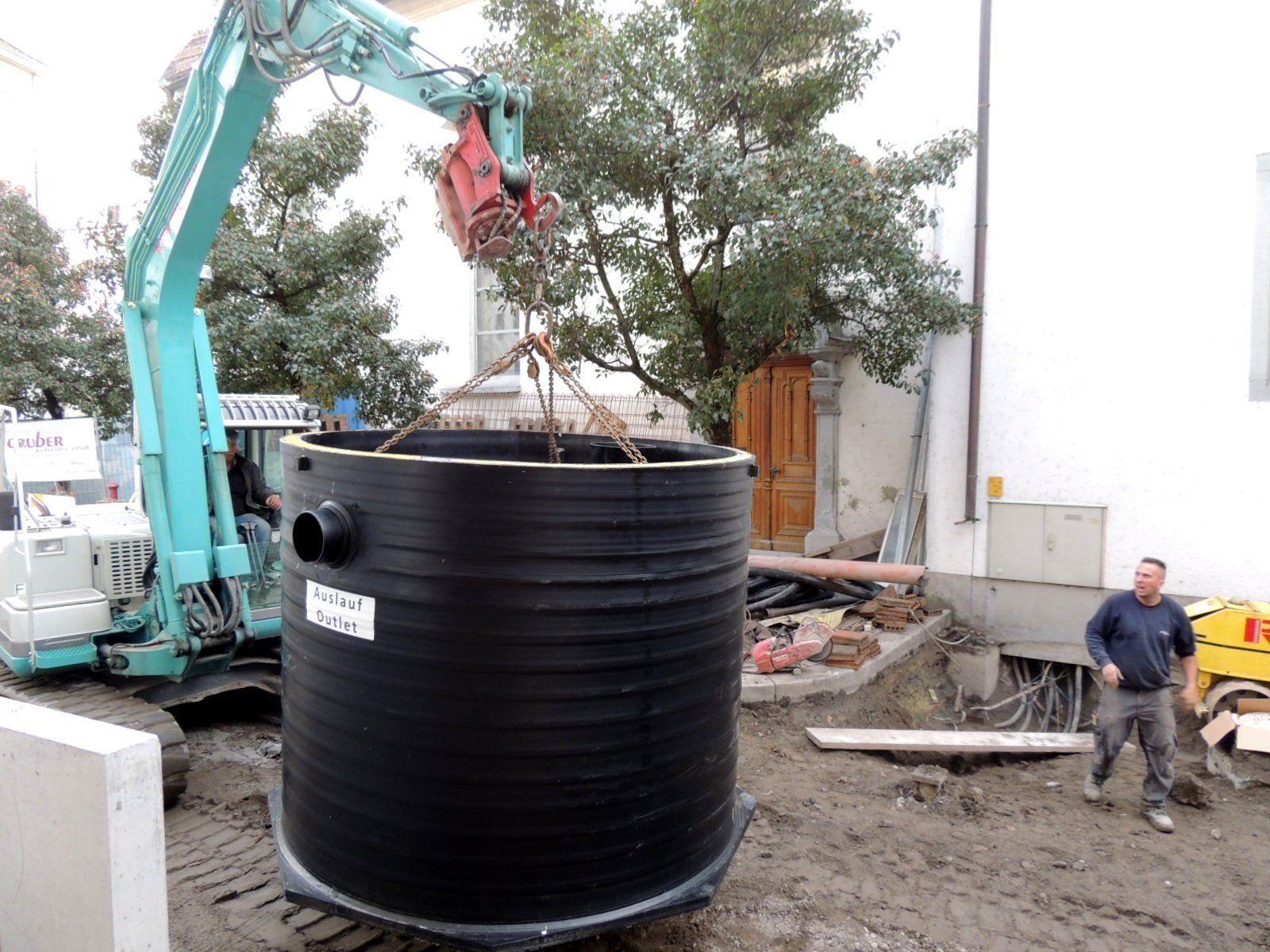 Großdimensionierter Fettabscheider eingebaut - Bregenz  VOL.AT