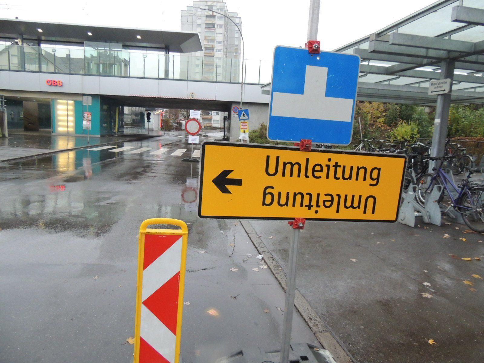 Schendlingerstraße nur einspurig befahrbar