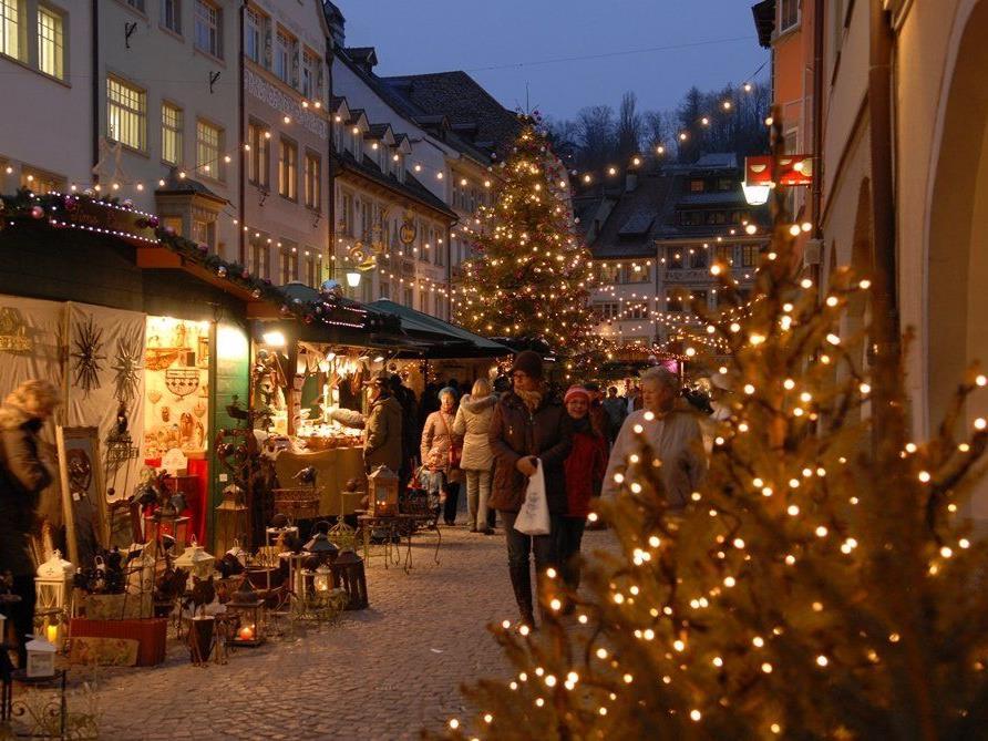 Seit über 20 Jahren Tradition: Der Weihnachtsmarkt in der Feldkircher Altstadt.