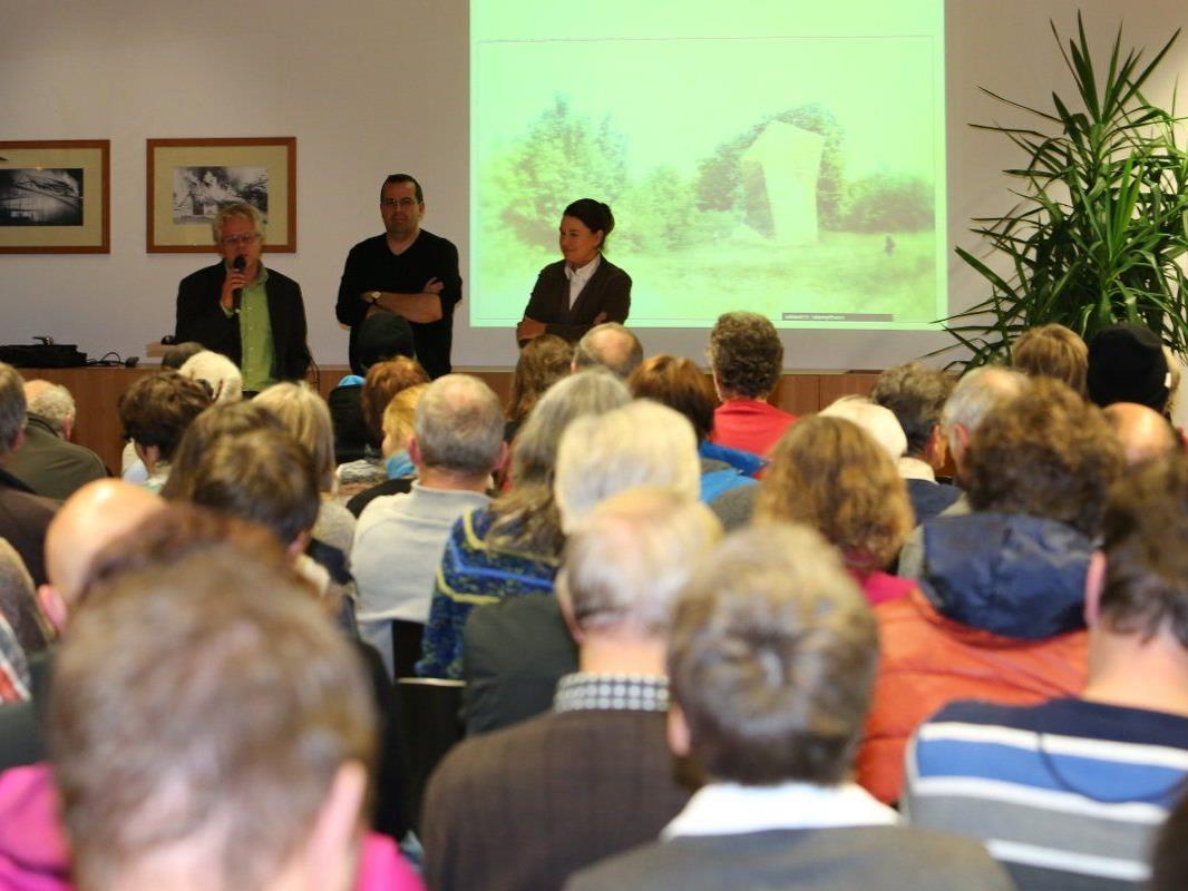 BürgerInnen aus Frastanz und Feldkirch zeigten großes Interesse bei der Informationsveranstaltung zum Thema Stadttunnel Feldkirch.