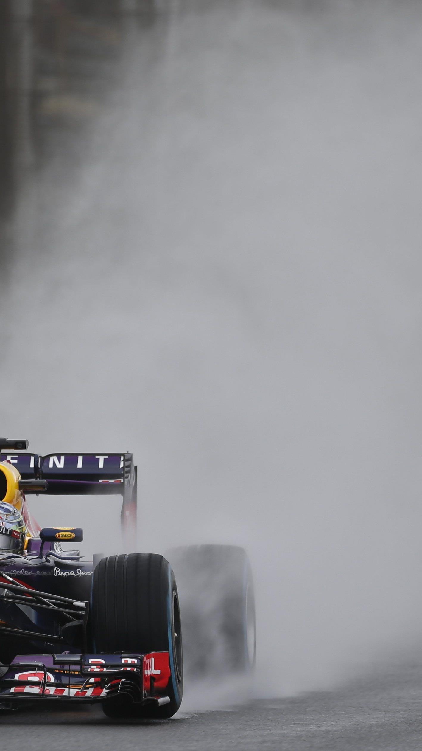 Sebastian Vettel sicherte sich im Regen souverän die Pole-Position in Brasilien.