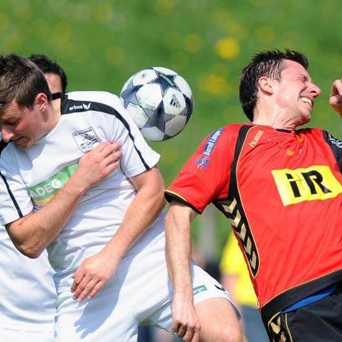 Manfred Eisbacher (rot) wird ab dem Frühjahr das Traineramt beim FC Lauterach übernehmen.