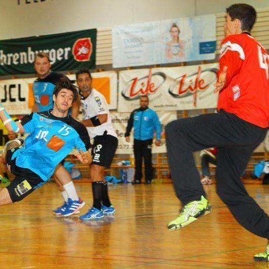 Feldkirchs Handballer verloren mit einem Tor Differenz.