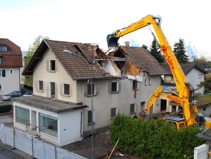Abriss der Häuser Ringstraße 13 und 15.