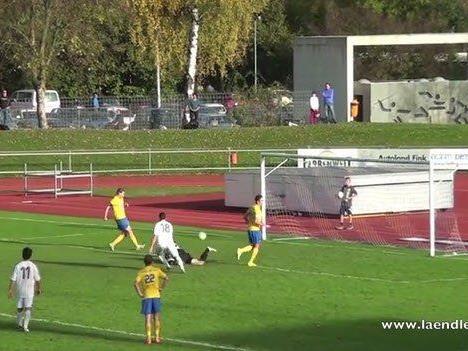 Sensationelles Tiki-Taka-Elfertor für den VfB Hohenems durch Johannes Klammer