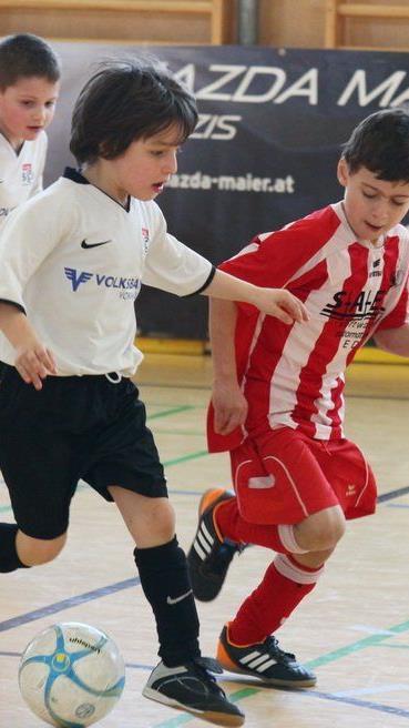 Im Februar und März werden die traditionellen Hallenfußballturniere in der Montforthalle ausgetragen.