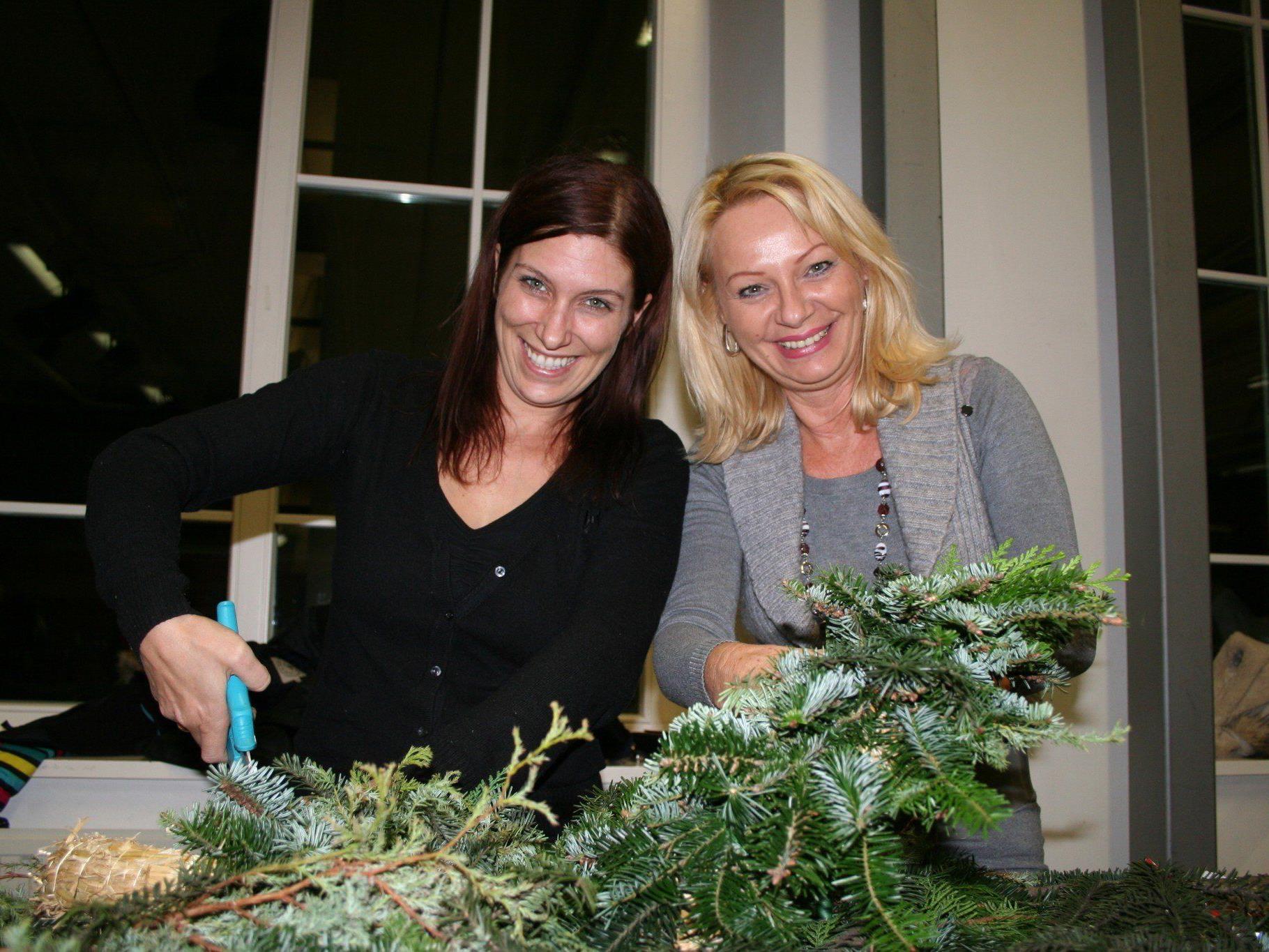 Auch Lucia und Sonja ließen hübsche Kränze entstehen.