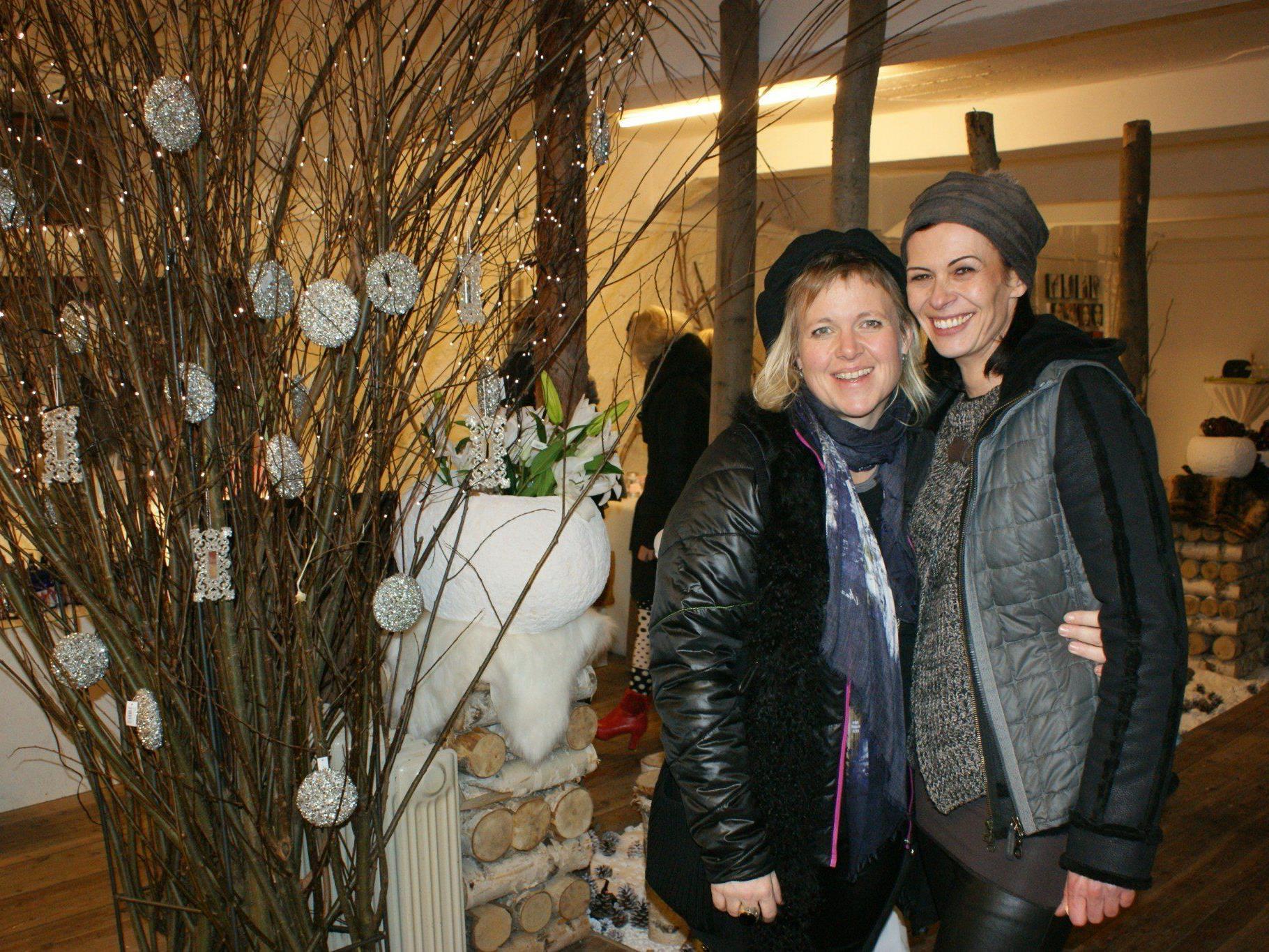 Christine Herzog und Ilona Griss-Schwärzler freuten sich über die gelungene Ausstellung